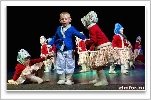 Народный танец в исполнении детей