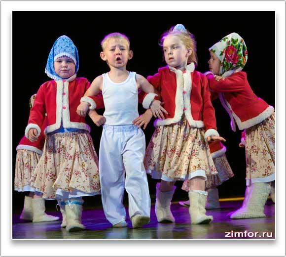 Концертное выступление детского танцевального коллектива